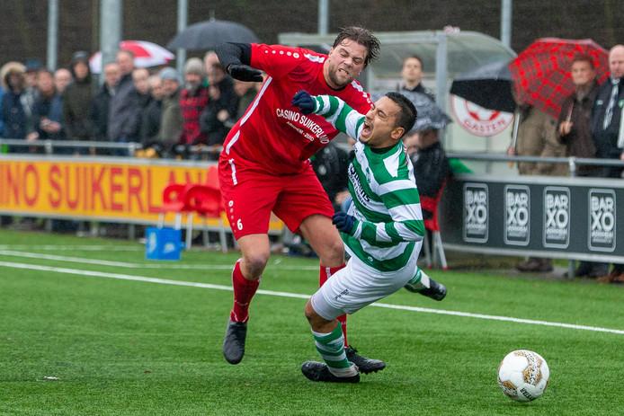 Björn 'Koppo' van Koppenhagen werkt zijn tegenstander naar de grond.