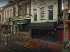 Café TweeKeerBellen mag weer open van gemeente: op kruk blijven zitten en bestellingen aan tafel