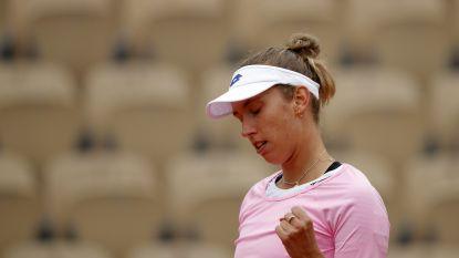 De kou deert haar niet: Elise Mertens laat zich niet verrassen op Parijse gravel en klopt Russin in twee sets