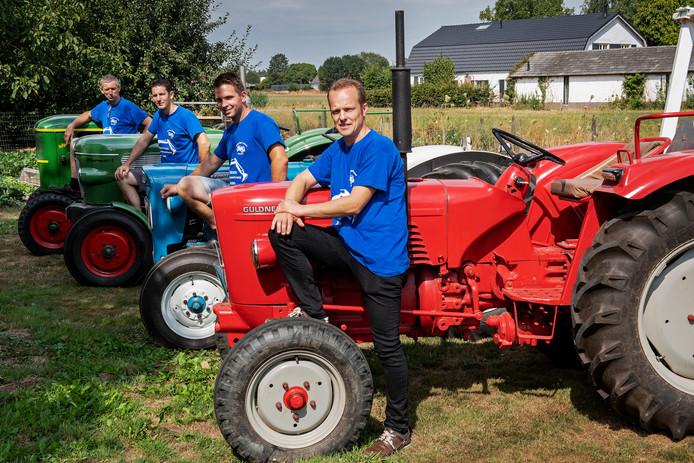 Wim Gerrits, Dolf Schel, Joost Gerrits en Luc van der Burgt (vlnr) zijn klaar voor de vijfde R.O.T. Rit.