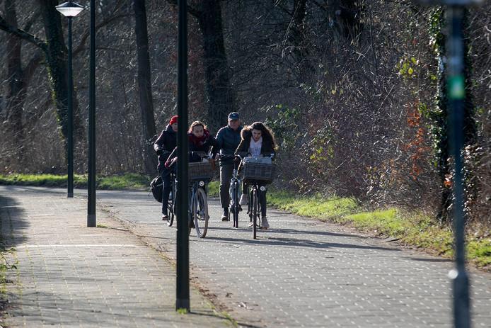 Het fietspad bij de Doormanlaan in Son en Breugel.