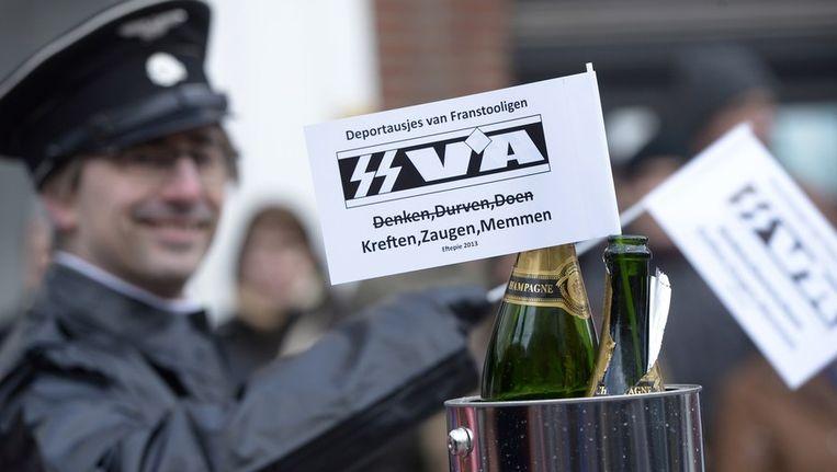 """Alain De Ruyck als """"SS-VA'er"""" op Aalst Carnaval. In het dagelijkse leven is hij advocaat en plaatsvervangend vrederechter."""