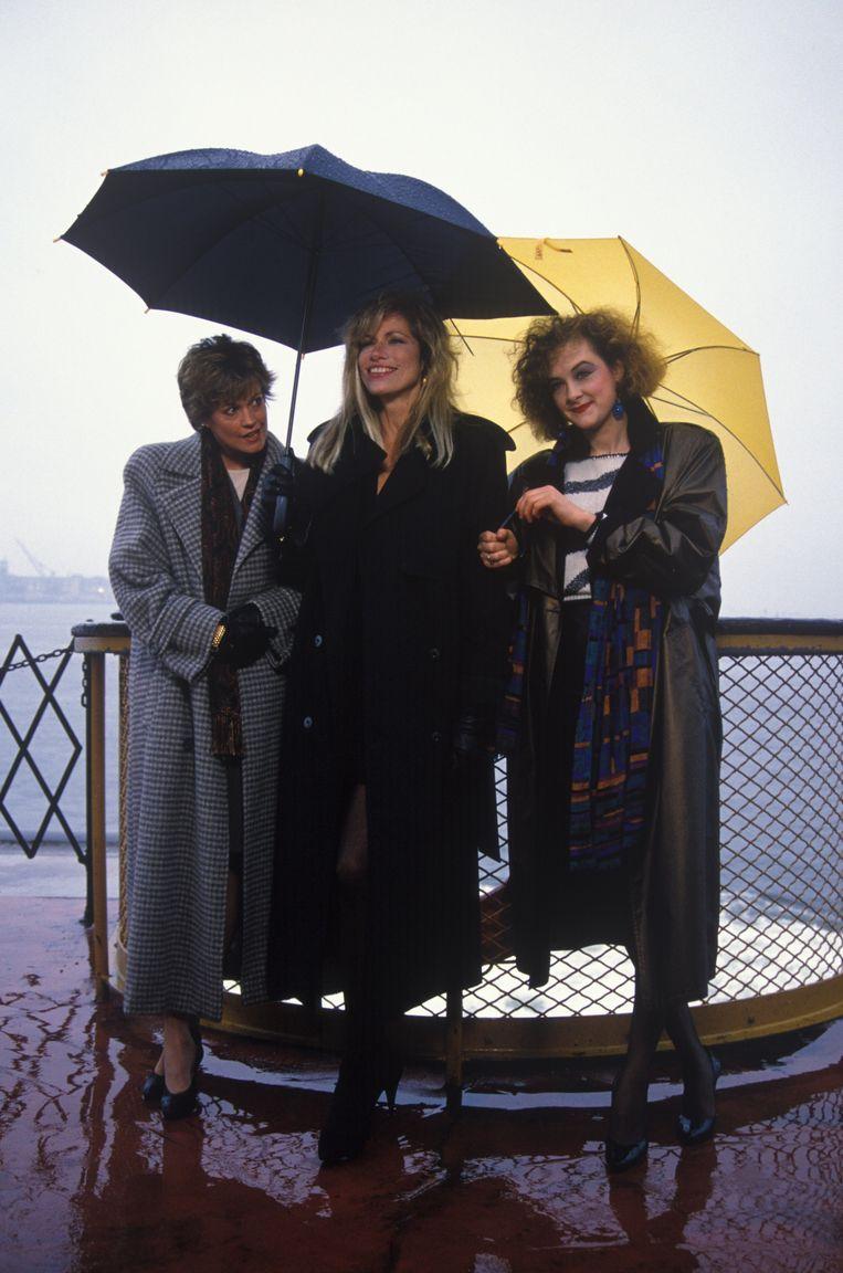 Melanie Griffith, Carly Simon en Joan Cusack ten tijde van Working Girl,1989. Beeld Getty Images
