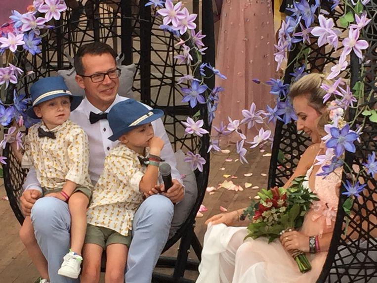 Steven en Anke met hun kinderen Wolf, Merlijn en Merel
