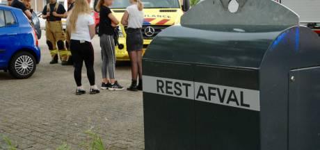 Kind belandt in ondergrondse afvalcontainer in Arnhem