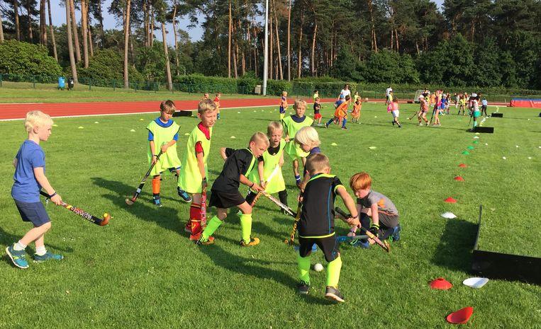 Archieffoto: jongeren tijdens een training bij Hockeyclub Artemis Herentals.