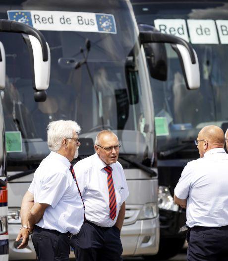 Coronacrisis dwingt touringcarbedrijf Betuwe Express tot collectief ontslag