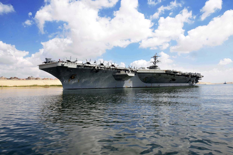 De USS Abraham Lincoln voer vorige week door het Suezkanaal in de richting van de Rode Zee om van daaruit op te stomen in de richting van Iran.