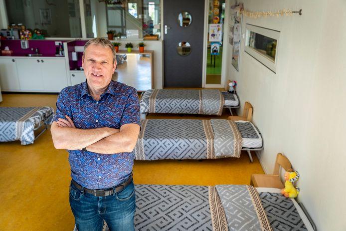 Directeur Erik Verhoeven van KC De Samenstroom in Gemert in de 24-uurs opvang van zijn school.