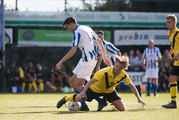 KHC en DOS Kampen, die elkaar na twee seizoenen weer treffen, spelen eind september de eerste Kamper derby in de eerste klasse D.
