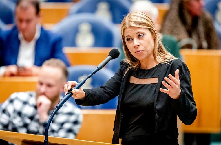 Kamerlid Lisa Westerveld (GroenLinks) tijdens het debat in de Tweede Kamer over de onderwijsbegroting. Beeld ANP