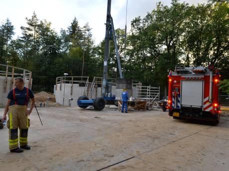 Man (23) gewond na val in metersdiep bassin in Apeldoorn