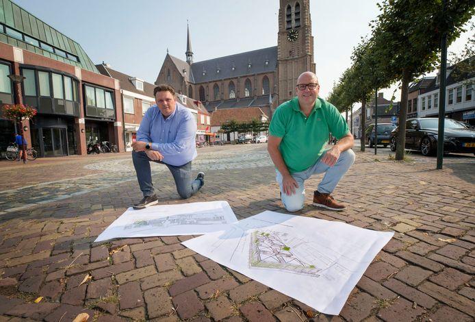 Remco van de Heuvel en Toine van Aalst op de markt in Oud Gastel. Foto: Pix4Profs/Joyce van Belkom