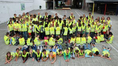 Fluohesje voor alle leerlingen Sint-Jorisschool dankzij Lions Club