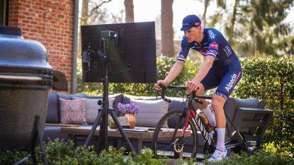 Virtueel is toch wat anders: Van der Poel kraakt meteen in 'Ronde van Zwift', Belg dropt bommetje maar triatleet viert