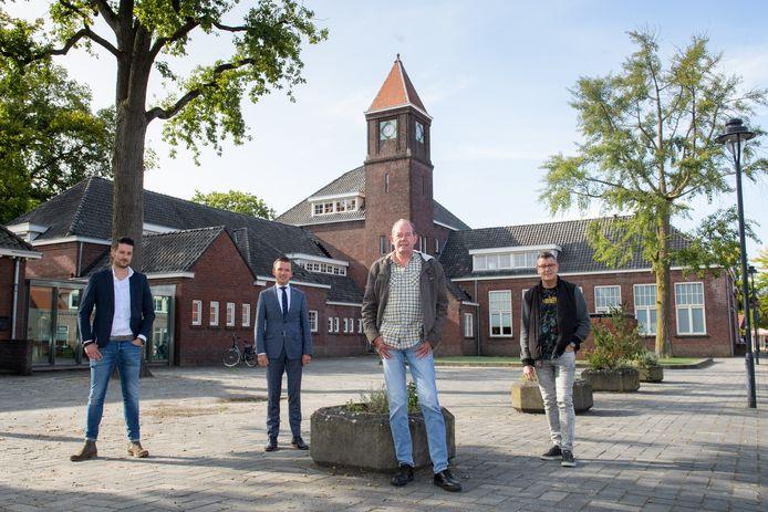 Het voortbestaan van De Boei als wijkcentrum is veiliggesteld. Gemeente en diverse welzijnsorganisaties gaan er gebruik van maken. V.l.n.r.:  Timo Keuken, Jurgen van Houdt, Peter Reinders en Eric Lammertink.