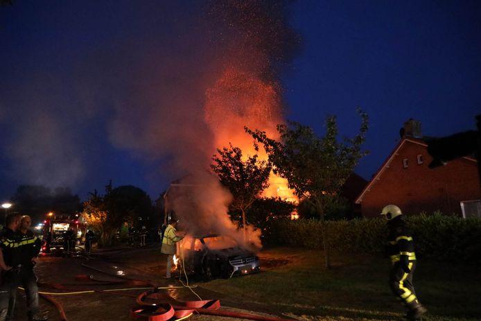 De grote uitslaande brand in Genderen op 26 mei van dit jaar.