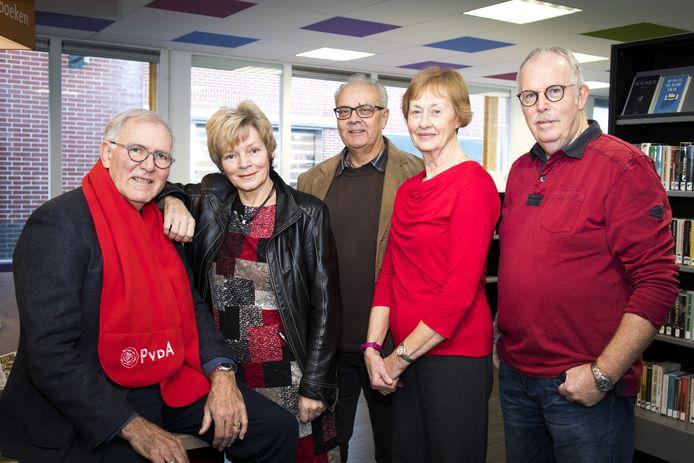 PvdA Beuningen met onder andere  Sijmen Versluijs (links) en daarnaast Tony Peters-Duits. (De foto is vóór de coronacrisis gemaakt.)