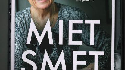 Miet Smet signeert memoires in Temse
