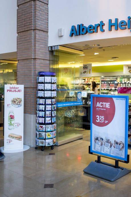 Lepe babbelcrimineel licht supermarkten voor tonnen op