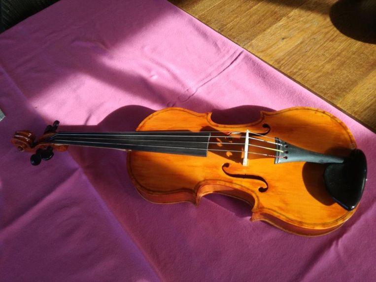 De handgemaakte viool van Frans Klijn die verkocht zal worden