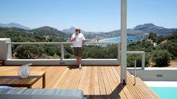 VIDEO: Zo pakten Eddy en Myriam hun betoverende nieuwbouw op Kreta aan