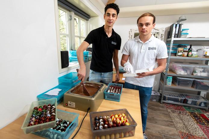 Culinair talenten/ bonbonmakers Soufiane Mourabit (links) en Nikai Groot Kormelink.