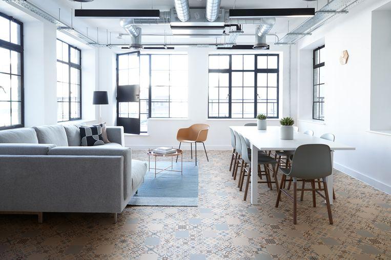 Interieurs worden hoe langer hoe opener. Je vloer is een handig hulpmiddel om zones af te bakenen.