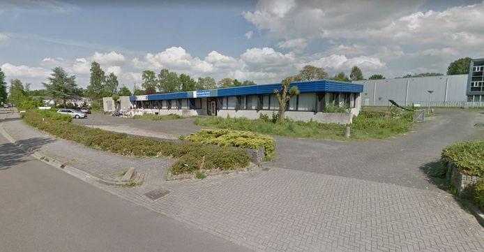 Op deze locatie aan de Populierenlaan 10 tot 14 in Hattem wil Lidl een grote supermarkt bouwen met 100 parkeerplaatsen.