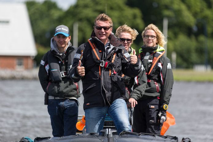 Woerdenaar Duco Snijder (midden) van het bedrijf Energy Boats.