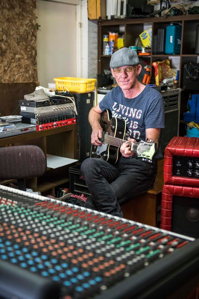 Lenno Spaans in zijn opname studio.