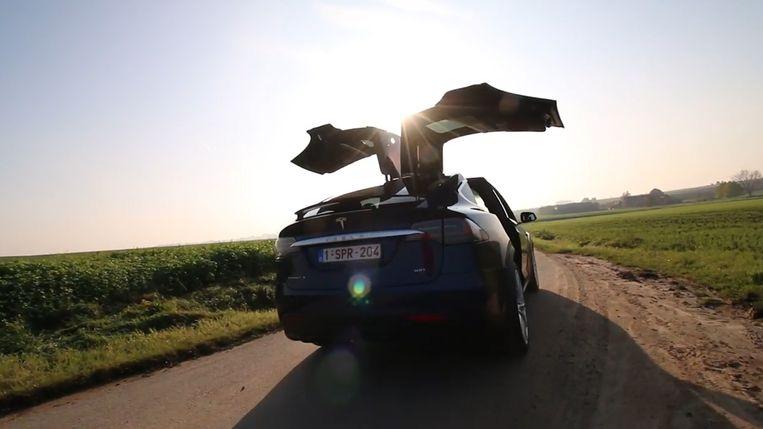 Hannes Coudenys was al fan van Tesla, maar na zijn testrit met Model X 100D is hij helemaal verkocht.