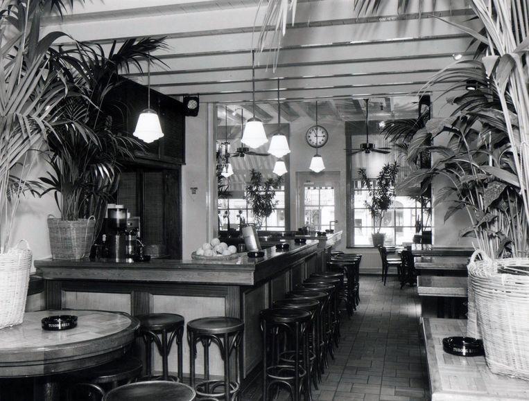 Het café in de beginjaren, toen het nog Orient was.
