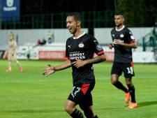 Roger Schmidt over Mauro Júnior bij PSV: 'Hij heeft nog geen moment geklaagd toen hij vijf, zes weken linksback stond'