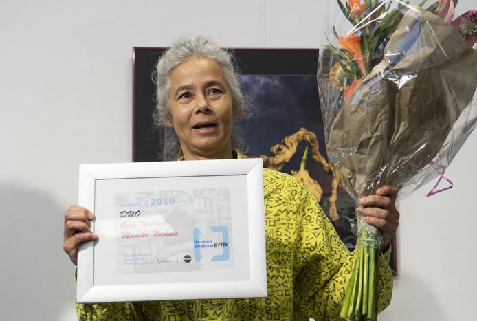 Maaike Dam Nijhuis (foto) en Gera Hultink winnen met hun werk Zee, draden uit zee en keramiek, de Herman Krikhaarprijs 2019