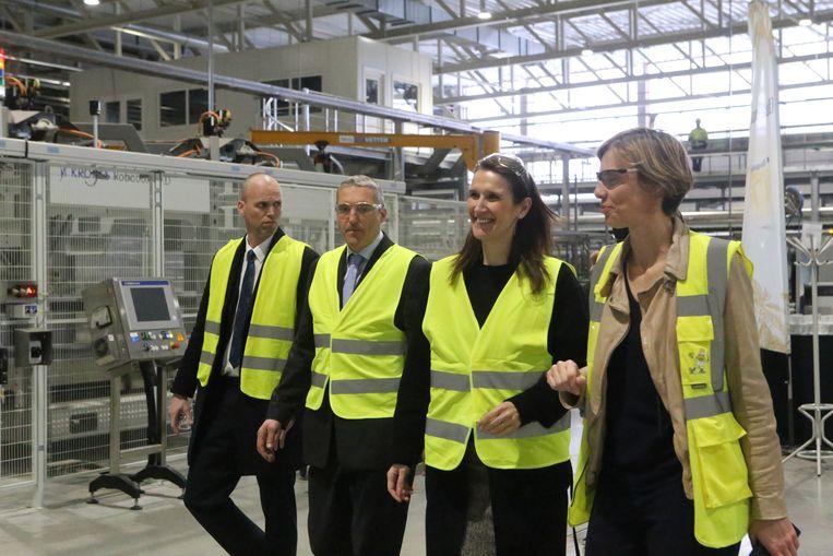 Een maand geleden was het nog feest in de brouwerij toen eerste minister Sophie Wilmès de bottelarij in Altenaken kwam openen.