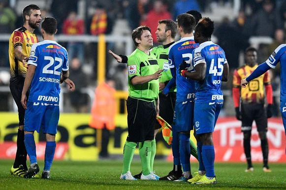 Woensdag werd Luc onverwacht tot grensrechter aangeduid in het bekerduel tussen KV Mechelen en KRC Genk.