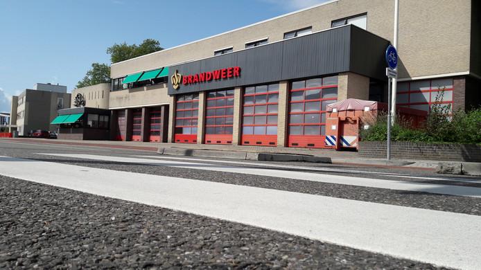 Brandweerkazerne aan de Brugstraat. Links het pand van Menzis.