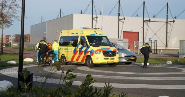 Meisje gewond bij botsing met auto in Waalwijk.