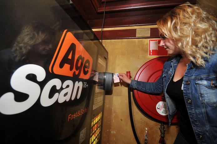 Sigarettenautomaat met leeftijdscheck