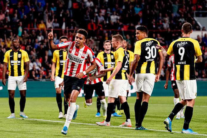 Donyell Malen was op dreef tegen Vitesse vanavond.