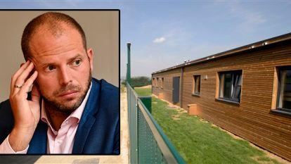 """Advocaten Servisch gezin: """"Francken voert controverse ten koste van de kinderen. Wij weigeren daarin mee te gaan"""""""