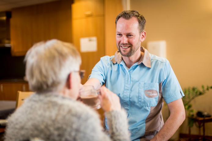 Frank Lenferink werkte 20 jaar bij de Rabobank, maar hij doorloopt nu een leerwerktraject bij Carintreggeland.