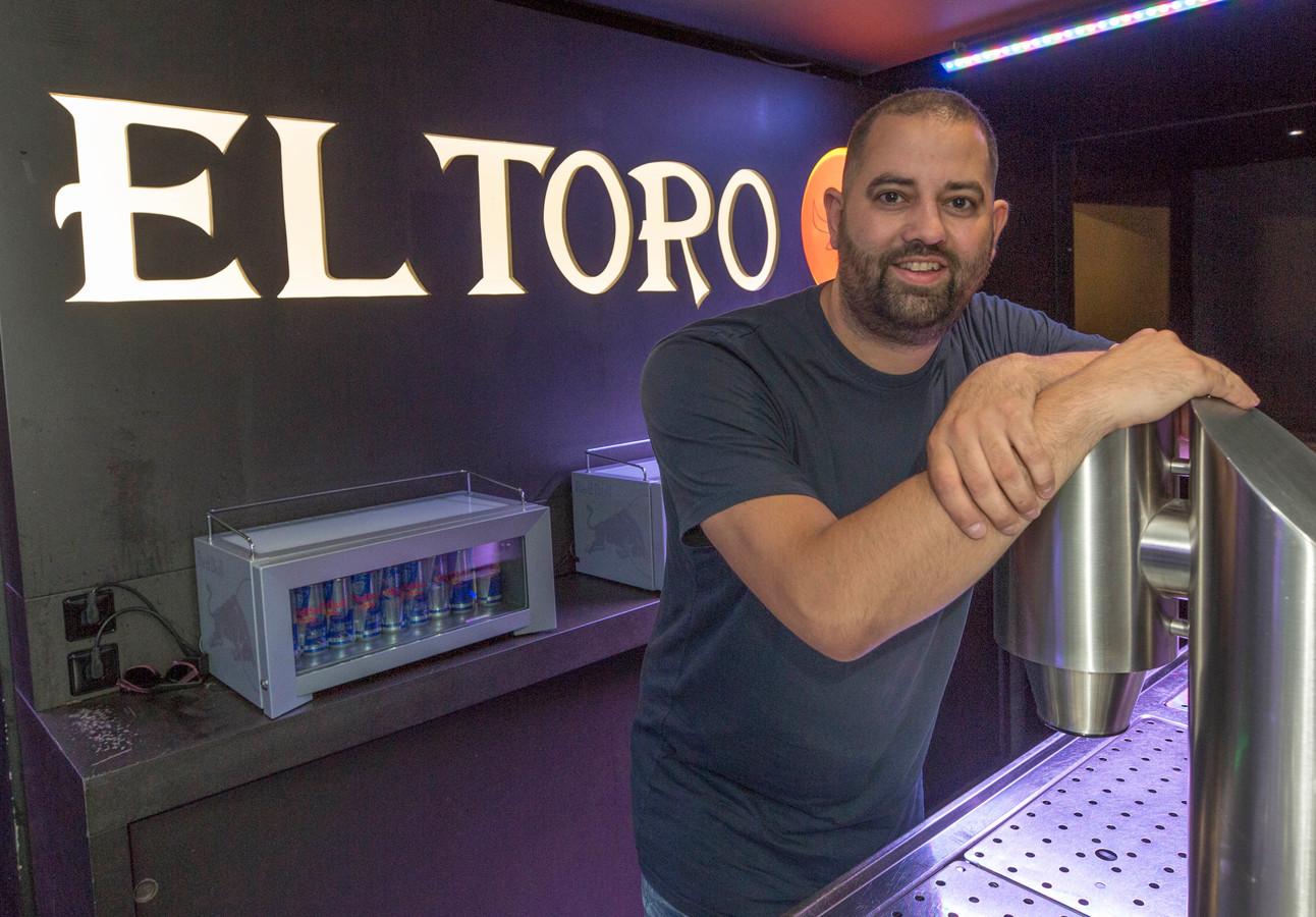 Bedrijfsleider Ricky van Oost van El Torro in Goes: 'Eerst was ik wel sceptisch. Ik dacht; je geeft ze iets, dus ze besteden minder. Dat blijkt niet zo te zijn.'
