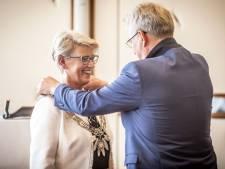 Doret Tigchelaar uit Hattem officieel geïnstalleerd als burgemeester van Wierden