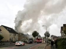 Flinke steekvlam en veel rook bij brand op zolder woning in Rijssen