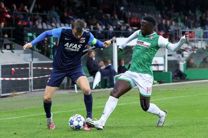 25-09-2020: Voetbal: FC Dordrecht v Jong AZ: Dordrecht Keukenkampioen divisie (L-R): Peer Koopmeiners of Jong AZ and Robin Polley of FC Dordrecht