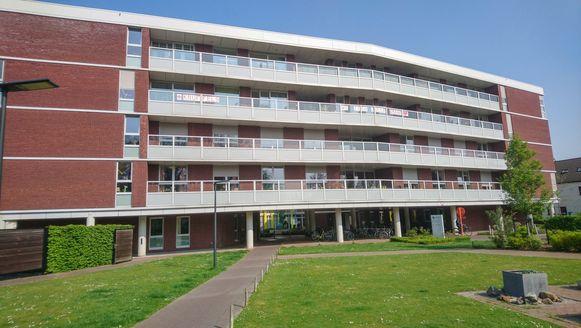 Woonzorgcentrum De Spoele in Sint-Niklaas, met twaalf overlijdens het zwaarst getroffen van de twaalf woonzorgcentra van Zorgpunt Waasland.