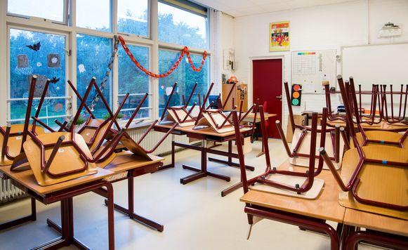 Vorige week legde een groot deel van het onderwijspersoneel het werk neer om te staken.