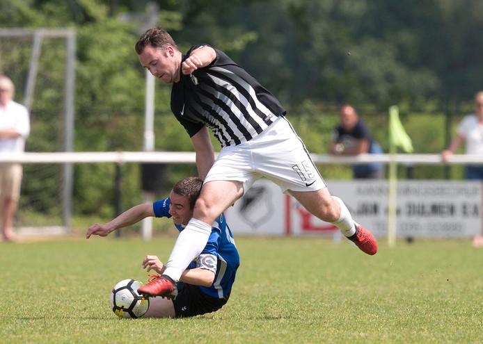Evert Römer scoorde de eerste twee goals voor RKHVV.